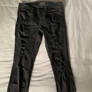 Lucky Jeans, cropped Distressed black Denim